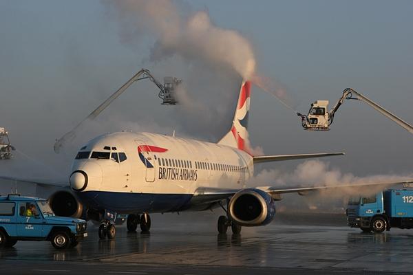 제설작업 중인 항공기