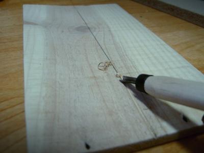 버리는 가구의 자투리로 탁자위 수납 공간 만들기