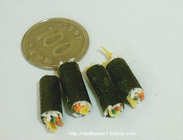 동전보다 작은 초미니 김밥 만들기