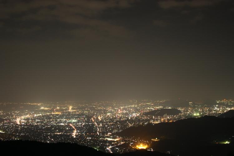 호텔 오쿠도고(奧道後) 로프웨이에서 본 마쓰야마 야경